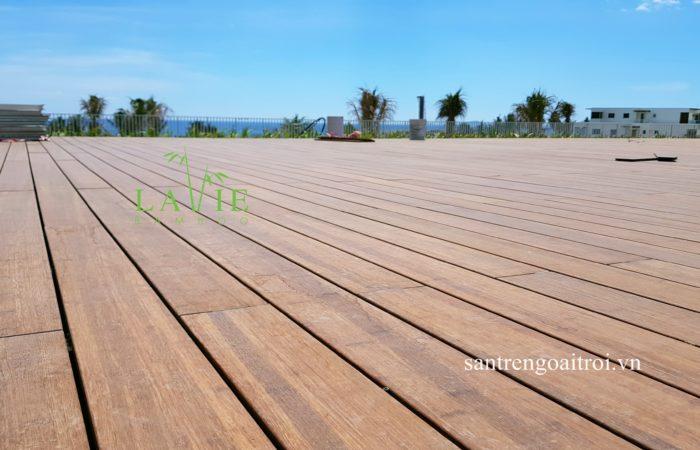 thi-cong-san-tre-ngoai-troi-alma-resort-lavie-bamboo-16