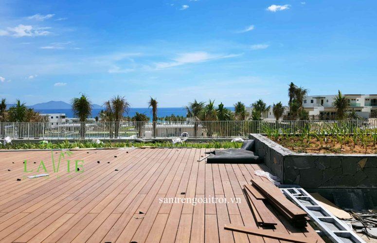 thi-cong-san-tre-ngoai-troi-alma-resort-lavie-bamboo-4